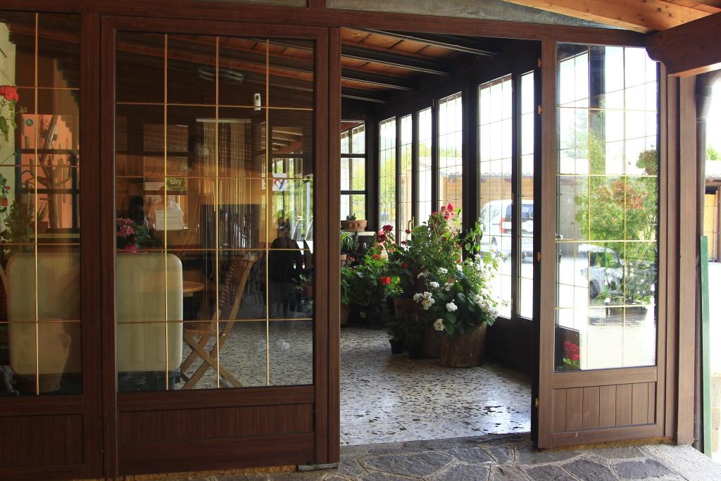 Ingresso esterno sala Bar/risotrante